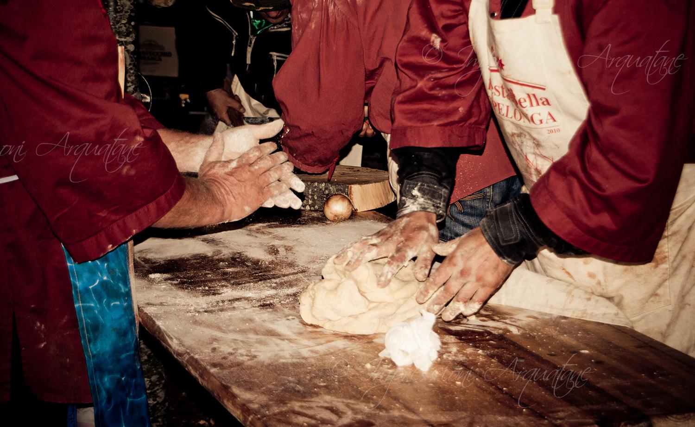 Festa Bella 2010 – Al campo base si prepara la cena